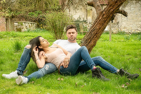 Chilling couple. Grumpy Gits Roadtrip. Portraits in the Park. People photography. People photographer. Digital nomad. Vanlife. Family photographer. Family photoshoot. EmC Photography. United Kingdom