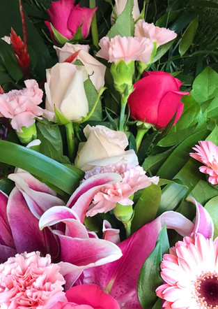 Fellner Blumen Trauerfloristik Sommerkranz