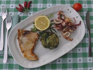 Tris Calamari e Pesce Spada alla Brace con Scarole alla Monachina