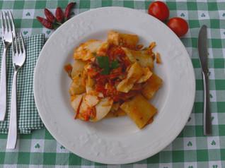 Paccheri con Cureniello, Pomodorini, Capperi e Olive Nere