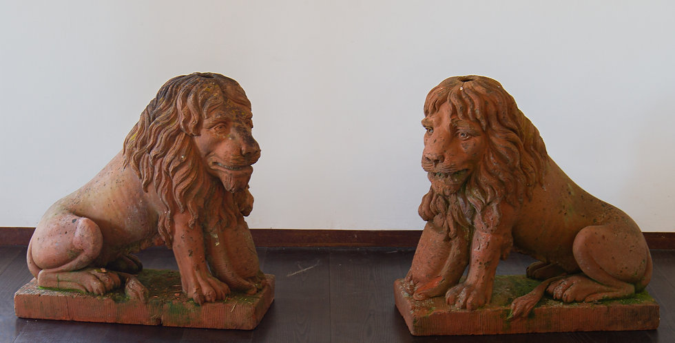 A Pair of English 19th Century Terracotta Lions