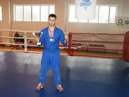 Поздравляем с победой на первенстве ЦФО по Универсальному бою нашего бойца Артема Трунева!