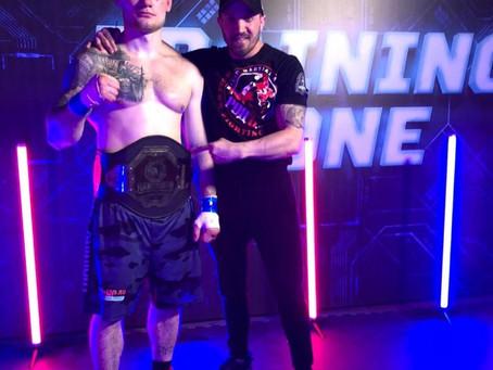 Наш боец Михаил Тарабрин завоевал титул Чемпиона кулачных боёв «Hardcore Fighting Championship»
