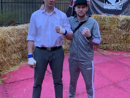 Наш тяжеловес Александр Дзугкоев успешно выступил в боях на голых кулаках