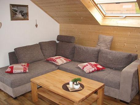 Falkenstein-couch-gr.jpg