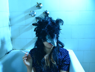 La Chica Llamada Cuervo: Embalsamadora.