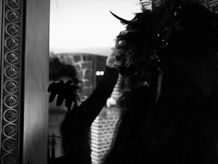 El Cuervo en el espejo