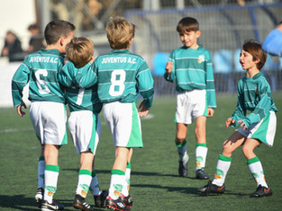 El Prebenjamí B guanya a Cabrils amb un gran partit de tots els jugadors.