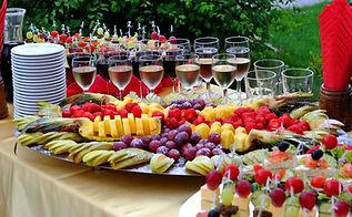 Buffet reception fruit wines champagne_e