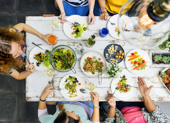 How to dine out like a health queen