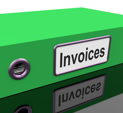 What must a purchase invoices show