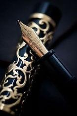 Ecrire est un art. Se munir des plus beaux outils ciselés et travaillés à la main est un plaisir partagé par tous.