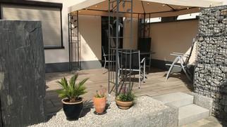 Außenanlage Terrasse.jpg