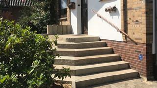 Treppe Sandstein.jpg