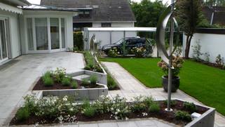 Außenanlage modern 2012.jpg
