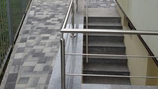 Kellertreppe Belag.jpg