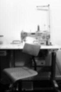 Maquina Costura Mesa Cadeira Secretaria Dora Guimaraes Atelier