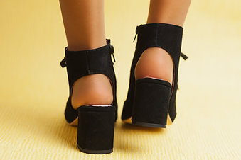 ISABELLA BLACK sandália botim