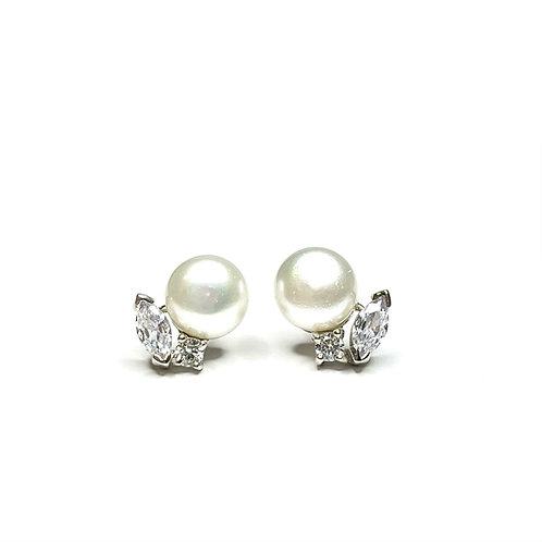 Alida Pearls Earrings