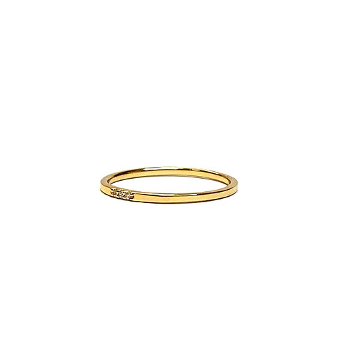 3 Simulated diamonds gold plated Ring