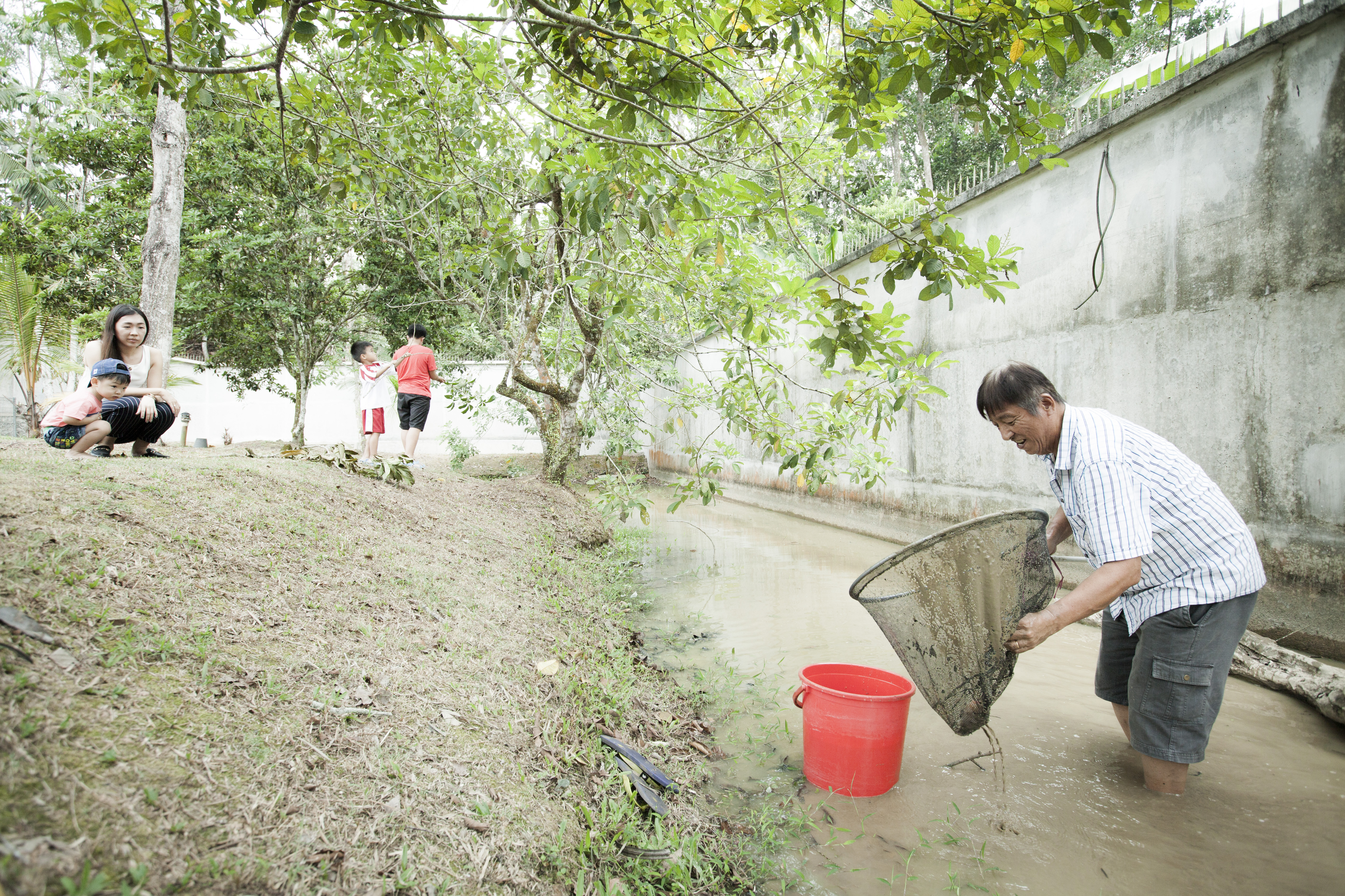 FCC_Outdoor Fish Pond_Catching Fish