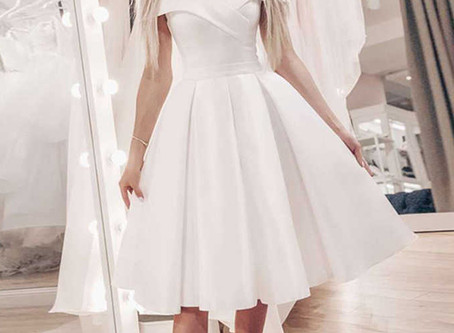 Короткое свадебное платье с открытыми плечиками