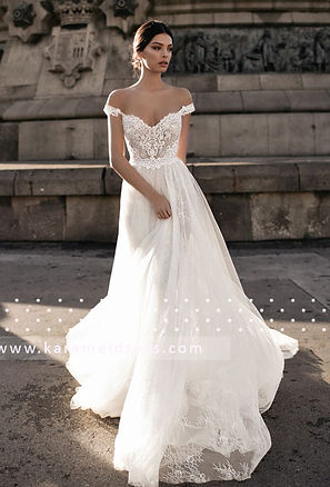 непышное свадебное платье со спущенными бретелями