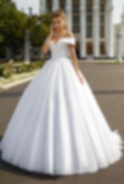 сваебное платье с открытыми печами, купить вадебное платье Киев, свадебно платье с блеском, все свадебные салоны киева