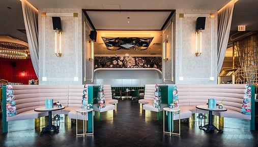 hotel essex sky bar_hotelessexchcago.com