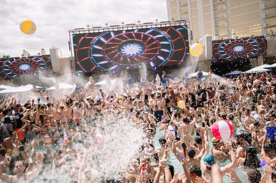 WET REPUBLIC Ultra Pool at MGM Grand Hot