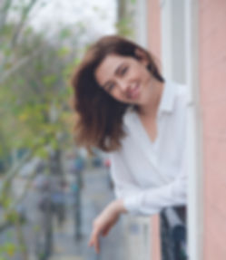 Девушка на балконе.jpg