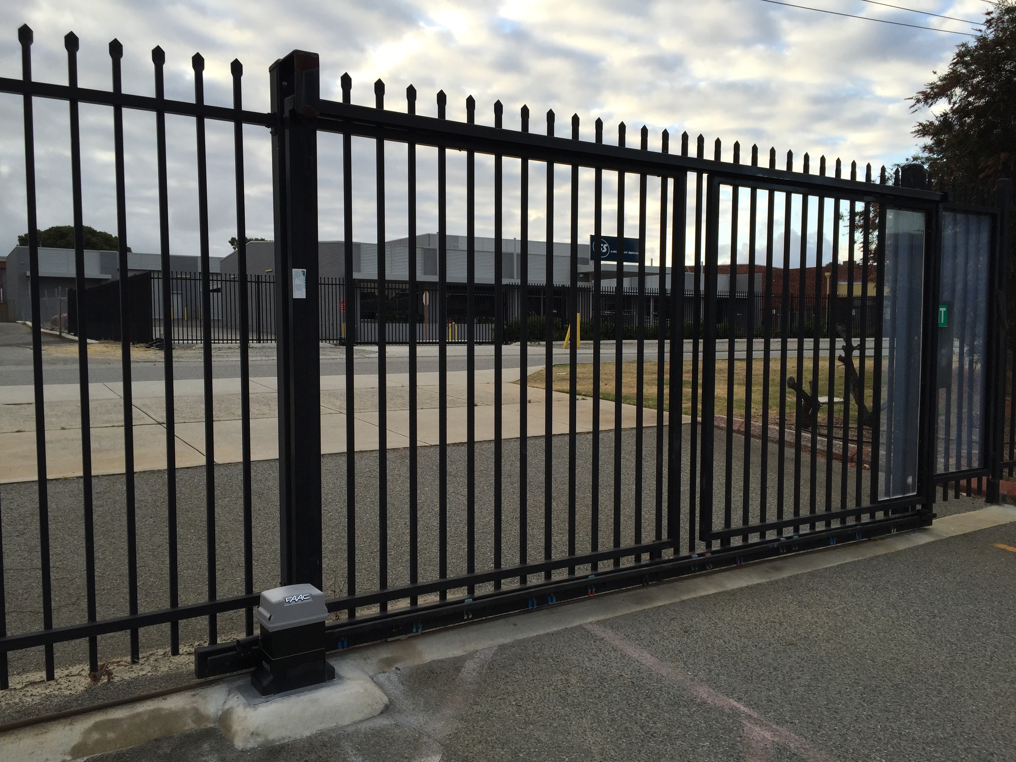 Automatic Gate Repair Business Hours