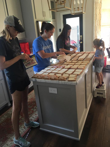MomKind Making Sandwiches