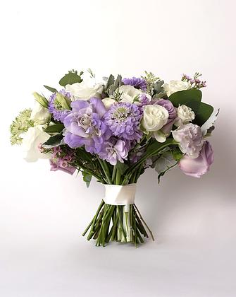 Bridal Triangle Bouquet | Daydream
