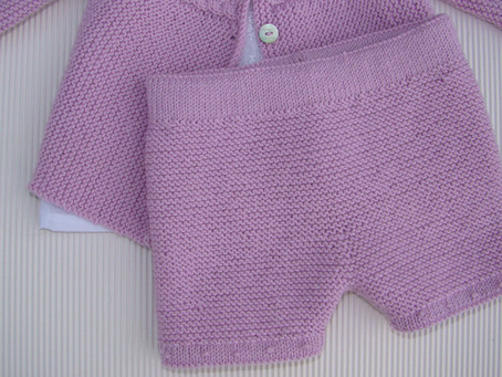 PANTALÓN DE BEBÉ SOBRE AGUJAS RECTAS, BABY PANT ON STRAIGHT NEEDLES