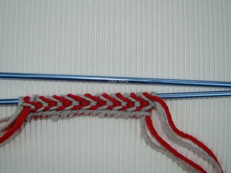 Borde con Trenza en agujas rectas, Latvian braid on straight needles