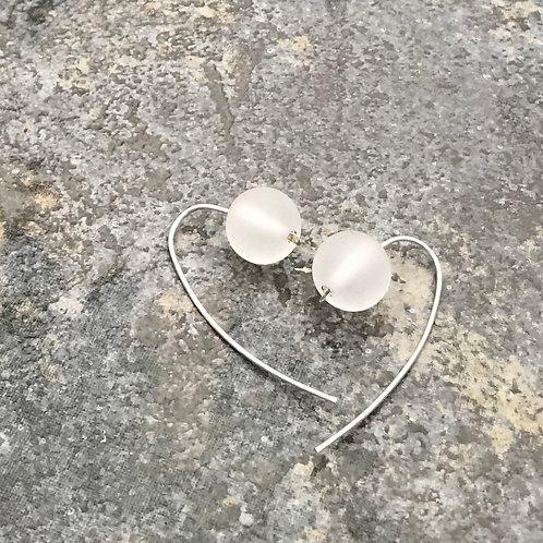 Gömb fülbevaló - jeges fehér