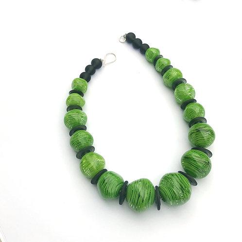 Abstract lánc - hamvasszürke és zöld