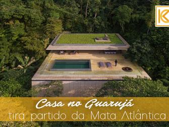 Casa no Guarujá tira partido da Mata Atlântica