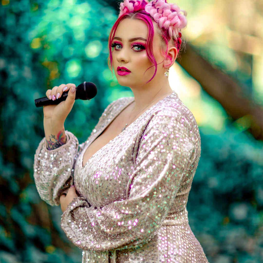 Aria Scarlett