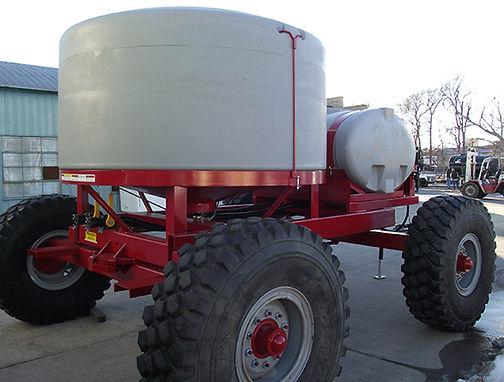 pull-behind-fertilizer-cart