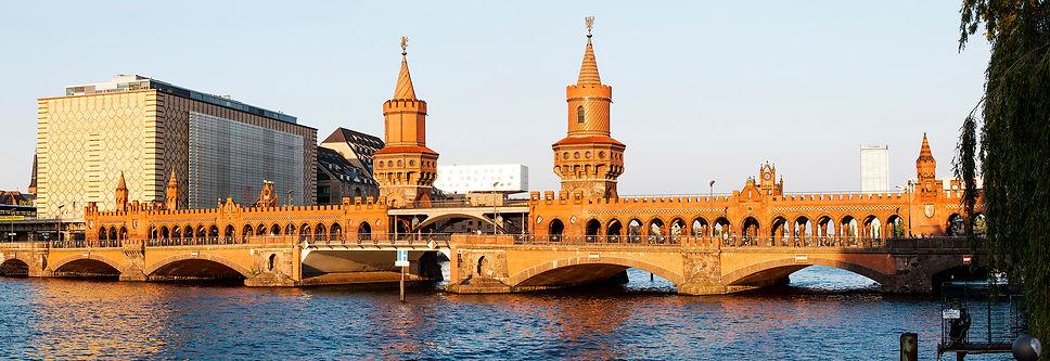 Berlin_Oberbaumbrücke__8241-42.jpg