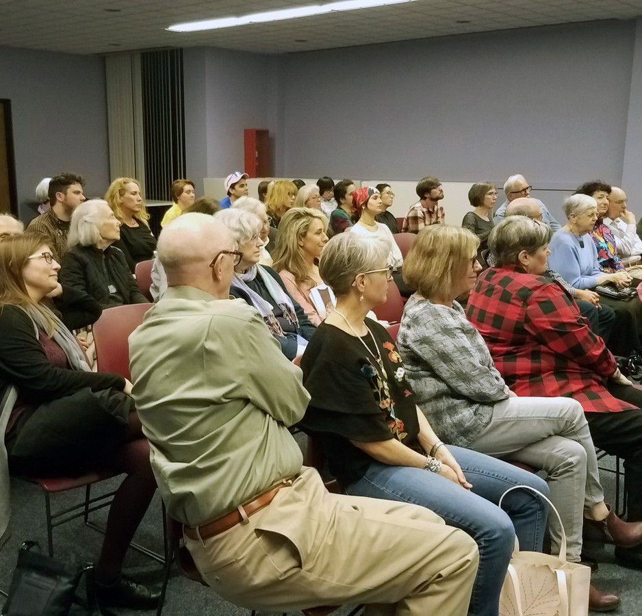 Crowd at Don Friedlich lecture.