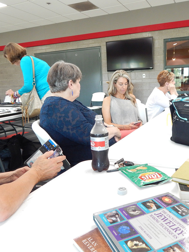 Members discuss Metalsmithing problems