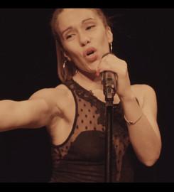 Rakel singing