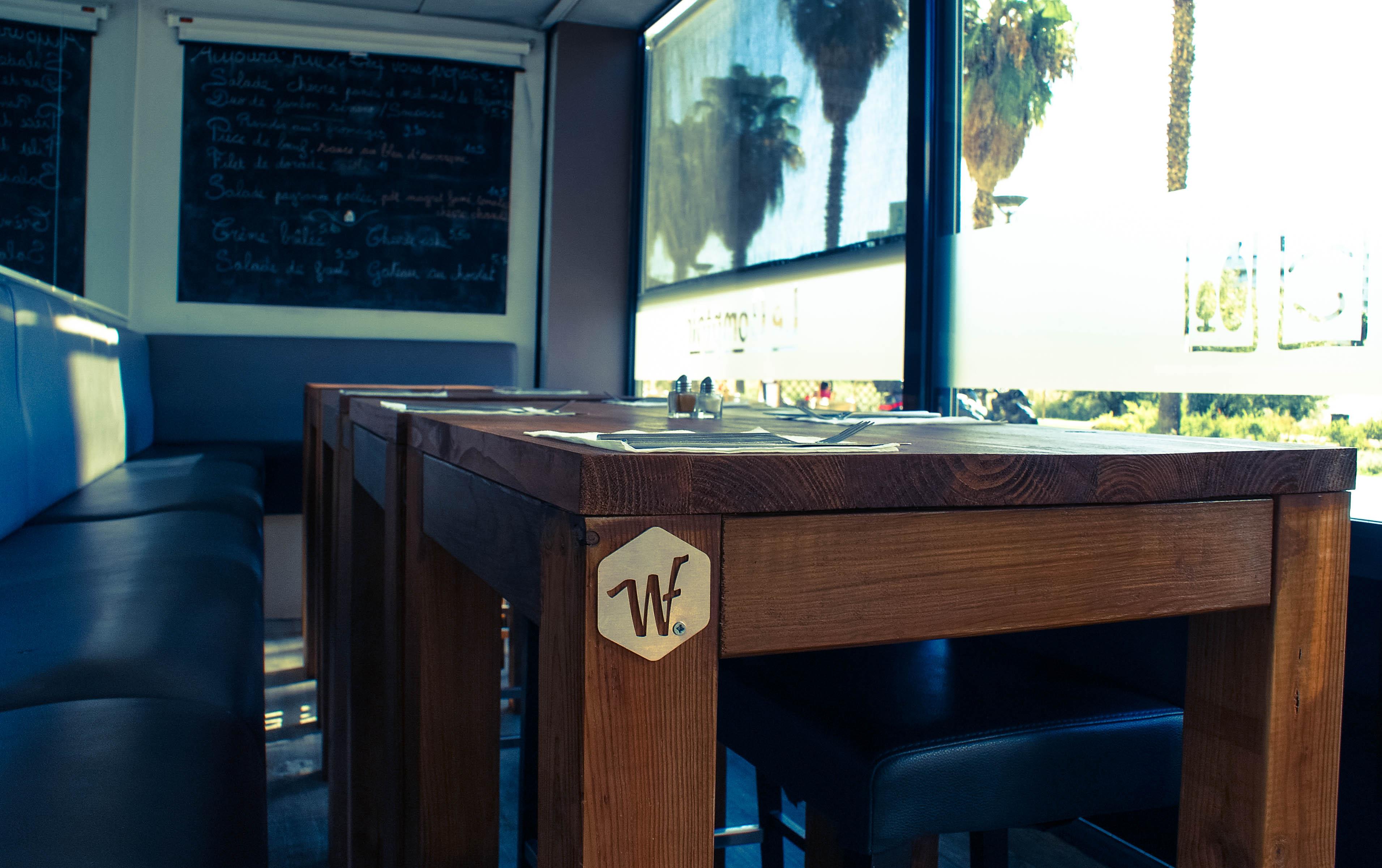 Tables int Le comptoir 2