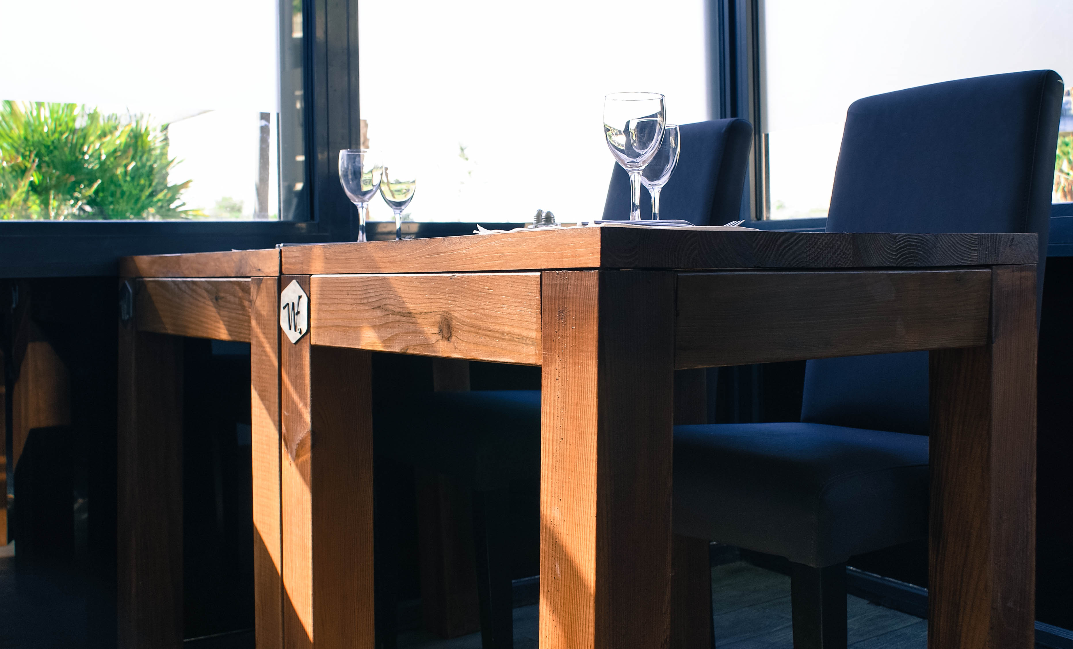 Tables int Le comptoir 9