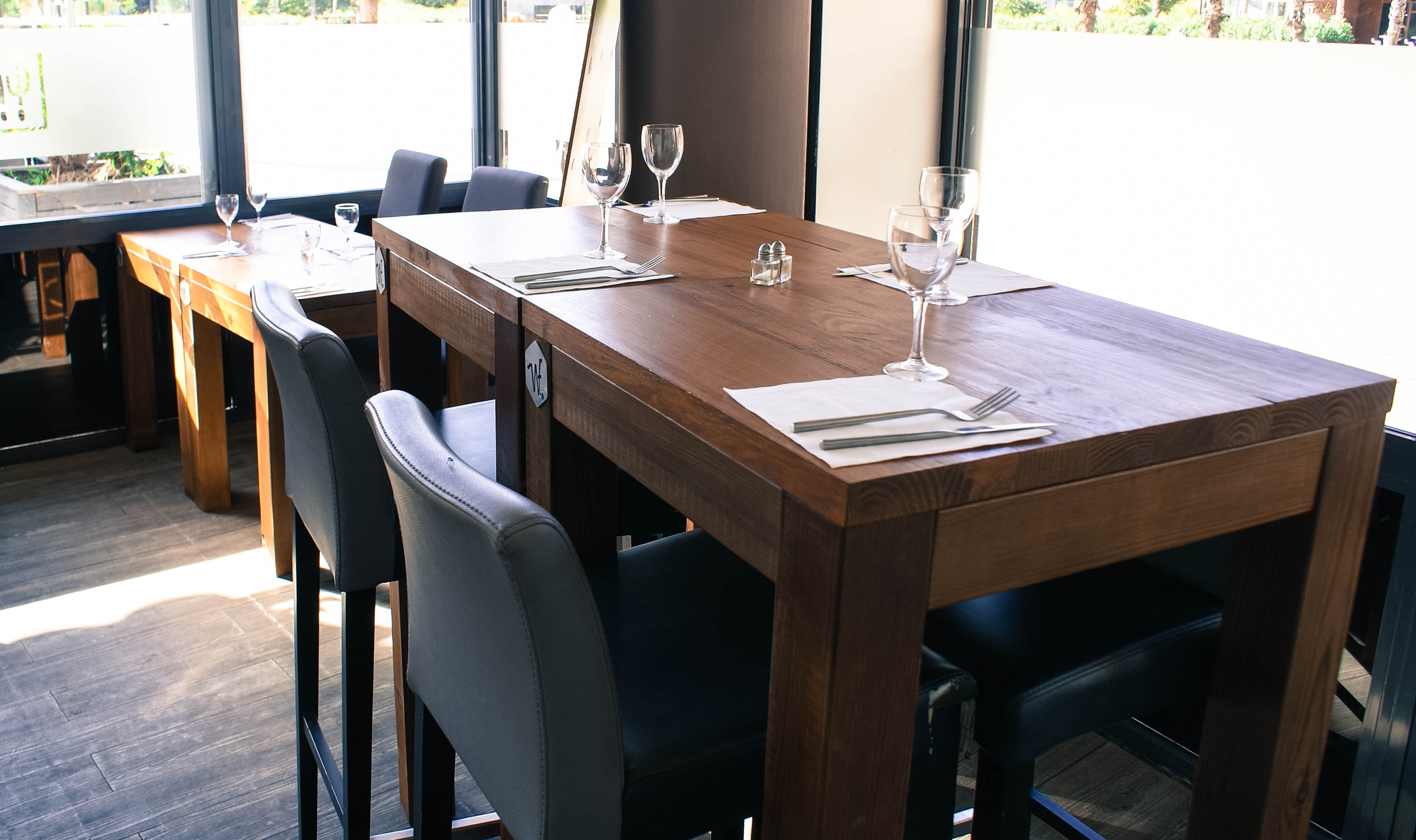 Tables int Le comptoir7