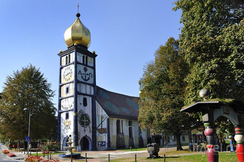 Церковь Святой Варвары, Хундертвассер