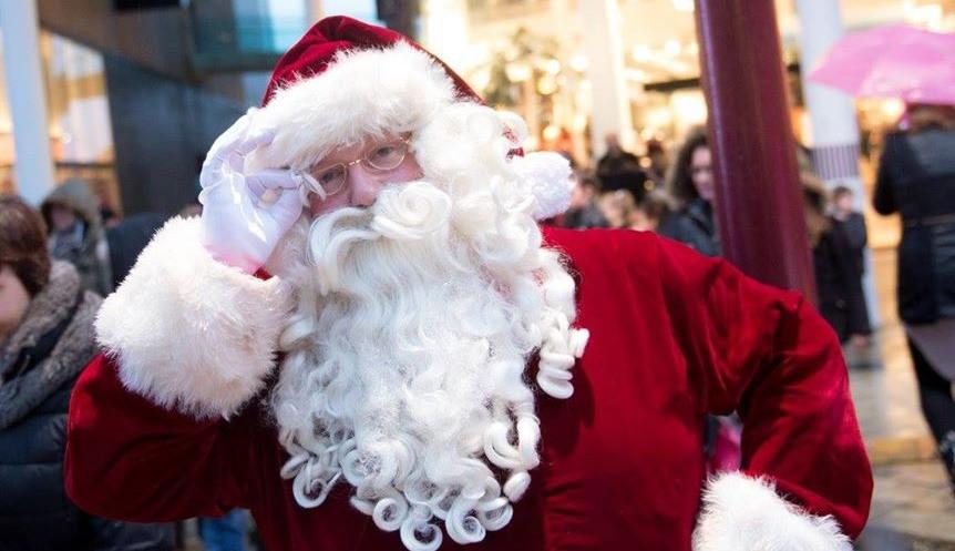 Hire Santa Claus walkabout